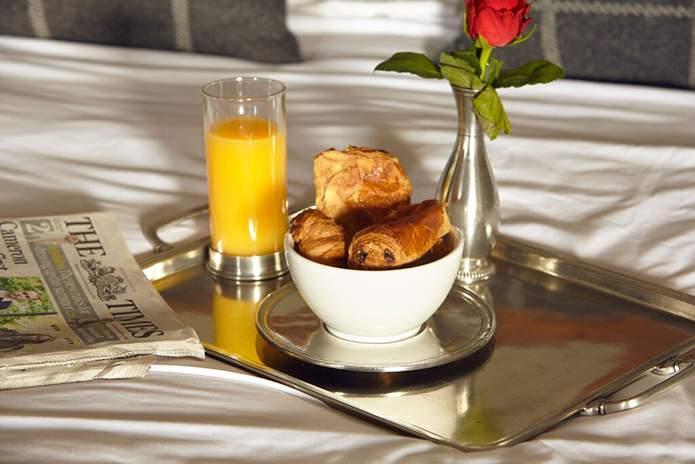 Cosi-Tabellini-Italian-Pewter-Journal-Breakfast-in-Bed-3