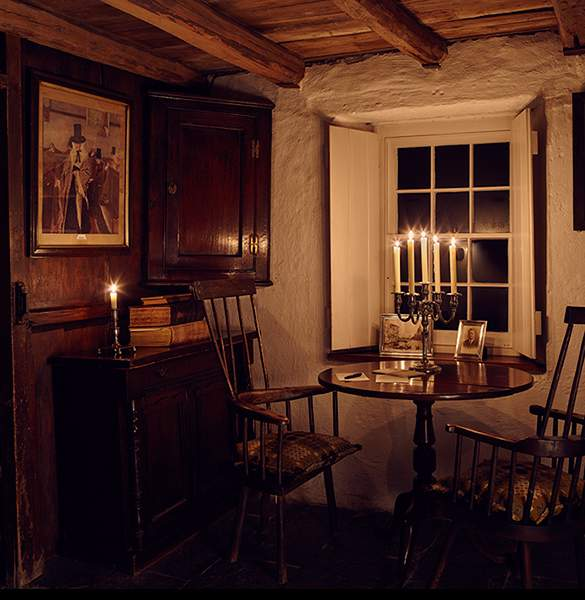 Simple Candlelight in the parlour at Bryn Eglur, The Welsh House, Carmarthenshire