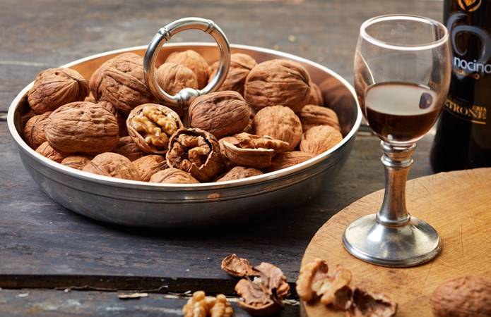 cosi-tabellini-italian-pewter-nocino-italian-walnut-liqueur-3